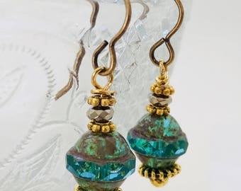 Pretty vintage style blue and green glass gold toned drop earrings