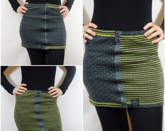 Mini-skirt reversible three in a yellow and gray