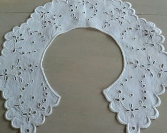 Vintage hand embroidered eyelet collar