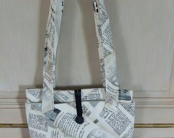 Journal 2 1noir and white print clutch bag