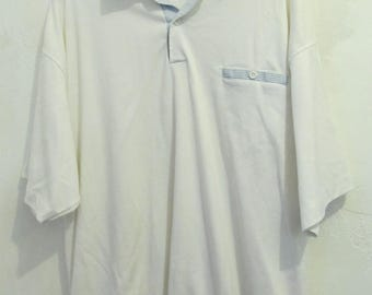 A Men's Vintage 80's,White Short Sleeve GATHERED Waist Polo Shirt By JANTZEN.XL