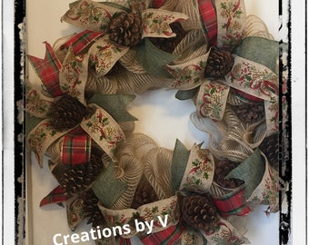 Simple Christmas pine cone wreath
