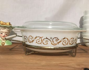 Pyrex Empire Golden Scroll 043 with Lid and Cradle