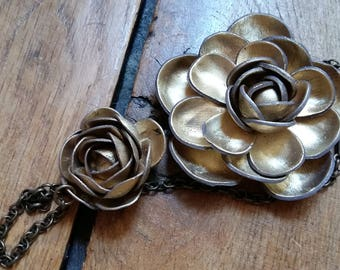 Flowers paper mache gold chain