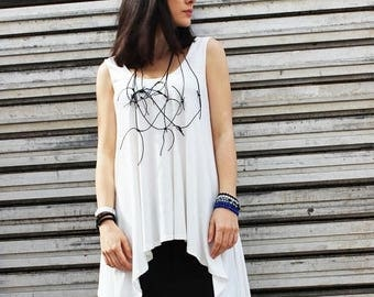 SALE Off White Asymmetric Top/Extravagant Sleeveless Tunic/ Casual Vest/Modern Tail Top/Loose Tunic Top/Plus Size Sleeveless Shirt/B0001