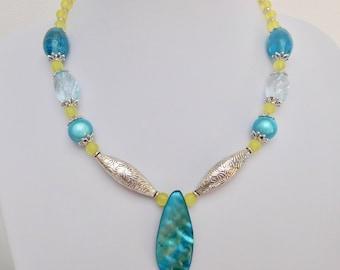 Blue & Yellow Beaded Necklace, Shell Pendant Necklace, Blue Necklace, Yellow Necklace, Silver Necklace, Summer Jewelry, Beach Jewellery
