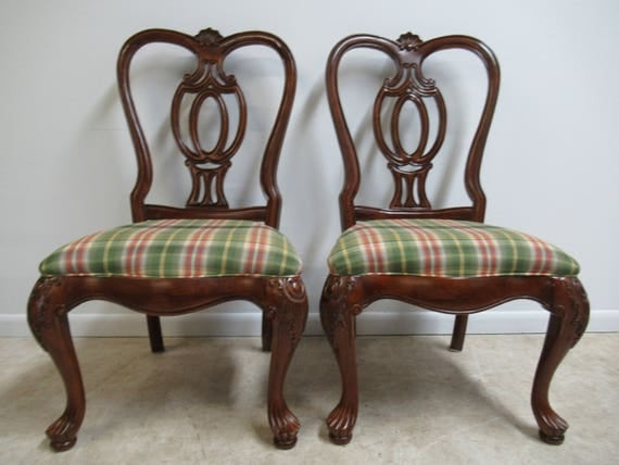 Pair of Thomasville Mahogany Oversized Carved Dining Room Side Chairs   C