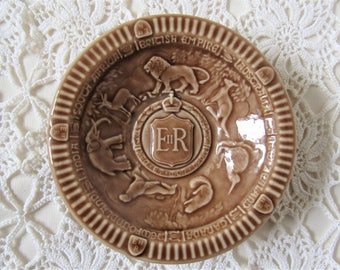 Wade Coronation Dish. Queen Elizabeth 1953 Coronation. Commemorative Wade Dish. Wade Collectables. Royal Memorabila. Wade Animal Pin Dish.
