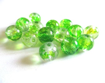 10 pearls green and yellow Crackle and speckled 8mm (H-25)