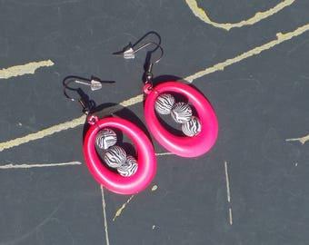Hoop earring fluo pink and Zebra bead