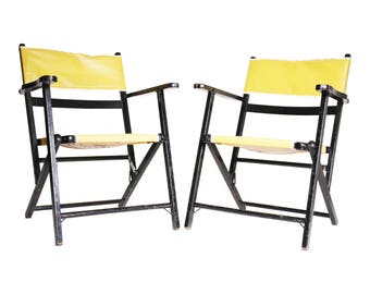2 Vintage Wooden FOLDING CHAIR SET lot mid century modern beach patio wedding black yellow bistro wood 50s 60s country porch pair 17033