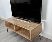 Retro Pallet TV Stand TURVAS in Light Oak  with Vintage Hairpin Legs