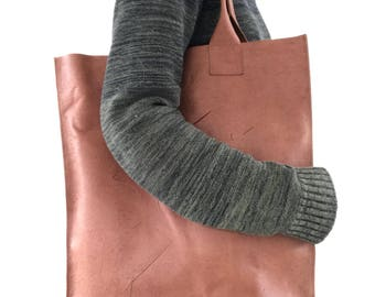 Scarface, Brown leather tote bag