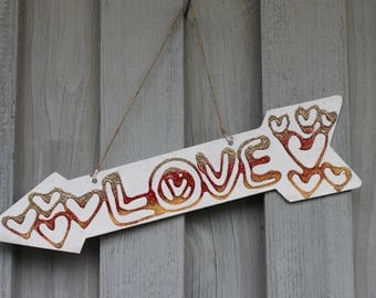 Decoration arrow, note sign, love