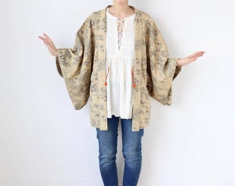 Japanese traditional pattern Haori, Kimono jacket, silk kimono, authentic kimono, kimono top, womans jacket, gift for her /2009