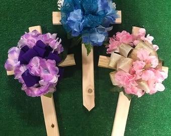 Cemetery cross - wooden cemetery cross - cemetery flowers - grave flowers - memorial cross - cemetery silk flowers - cemetery saddle - silk