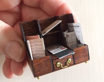 Dollshouse miniature desk stationery set