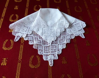 Torchon lace handkerchief - handmade bobbin lace - French lace - linen lace hankie - lace hankie - antique handkerchief - monogram Ua