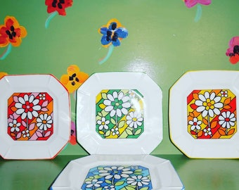 Set Of 4 Hippie Flower Power Plates Wall Decor Red Yellow Orange Green Blue  Abstract Home