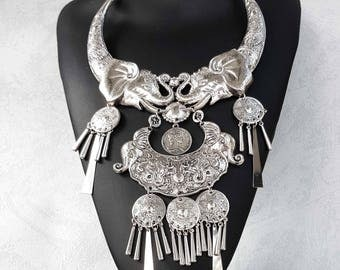 Ethnic necklace of African inspiration