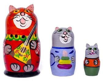 "3.5"" Set of 3 Cat with Balalaika Music Instrument Russian Nesting Dolls"