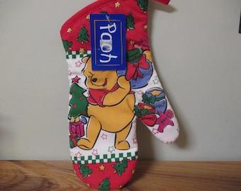 Disney Winnie the Pooh Christmas Oven Mitt