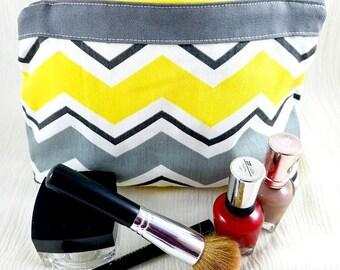 Toiletry bag - Makeup bag - Zipper bag - Canvas bag - Chevron cosmetic bag - Lined makeup bag - Makeup - Gifts for her - Best friend gift