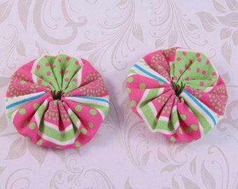x 2 40mm Green and pink polka dot lot11 fabric yoyos
