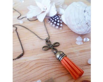 ▲ NINO ▲ made pendant necklace with a bronze engraving & a clementine orange suede tassel!