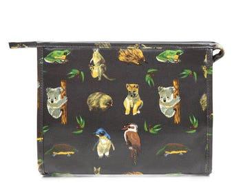SALE! Oilcloth Toiletry bag - Ladies Cosmetic bag - Zip Makeup case- Woman Makeup bag- Zip Beauty bag- Waterproof- Australia animal kangaroo