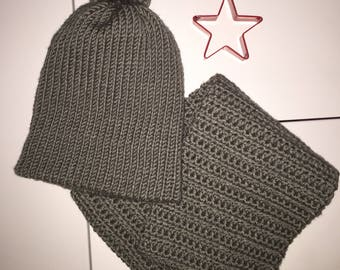 Gray Reversible Slouchy Pom-pom Hat with Cowl