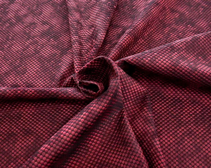 990061-114 Brocade, Co 53%, Pl 37%, Pa 10%, width 140 cm, made in Italy, dry cleaning, weight 279 gr