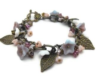 Bracelet breloques alizée fleurs et feuilles