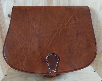 Hand bag shoulder leather woman bag shape.