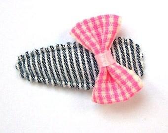 Baby Hair Bow on Black & White Cotton - No Slip Grib