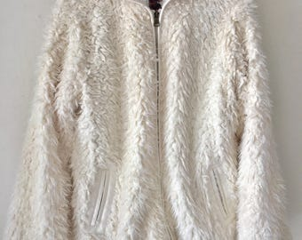 White Fabulous Faux Fur Coat With Sewn Hood And Leopard Print Lining Woman Size L - XL