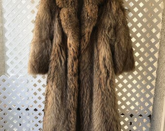Stylish Brown Genuine Raccoon Fluffy Fur Long Coat Men's Size Medium.