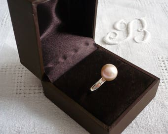 Ring in silver and Freshwater Pearl