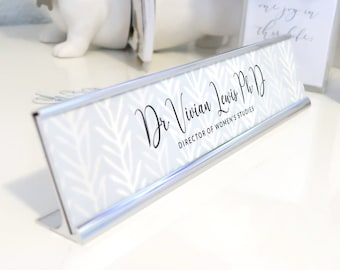 """Custom Nature Nameplate """"Vivian"""" - Personalized Desk Name Plate Sign Decor - Office Accessories - Modern Office Decoration"""