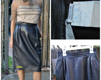 VINTAGE Ungaro Ink black leather pencil skirt Size (6) Made in Italy