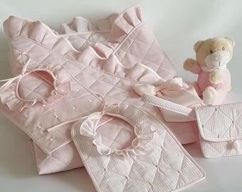 LULLABY or baby-soft-wrap blanket newly nacido-acolchado rosa-reversible moles and rayas-dos baberos-bolsa chupete-ribete pink satin AR01