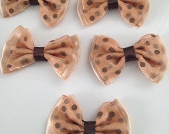 5 flower applique satin and organza bow has Brown dots