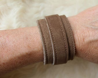 Brown leather wristband. Brown cuff. leather wristlet. Brown bracelet