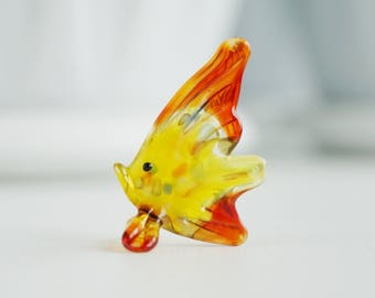 fish glass figurines, tiny fish statuette, desk accessories for women, murano style, crystal figurines, glass sculpture, miniature animals