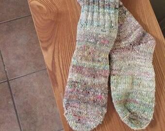 Hand-knitted women's socks in wool-silk blend