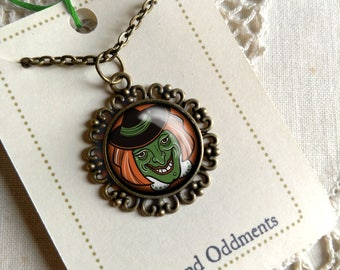 Retro Halloween Green Witch  Pendant Necklace