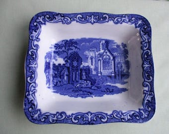 1930s pottery / Blue and White / George Jones and Sons / Abbey pattern / Shreaded wheat dish / Traditional English tablewear