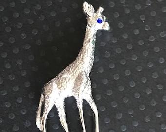Vintage Figural Giraffe brooch