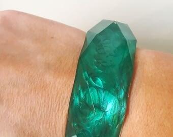 Vintage Green Faceted Lucite Chunky 60's Bangle Bracelet