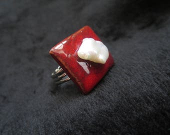 original ceramic ring with cultured pearl petal